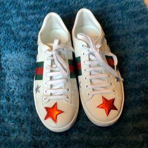 Gucci aces tennis shoes
